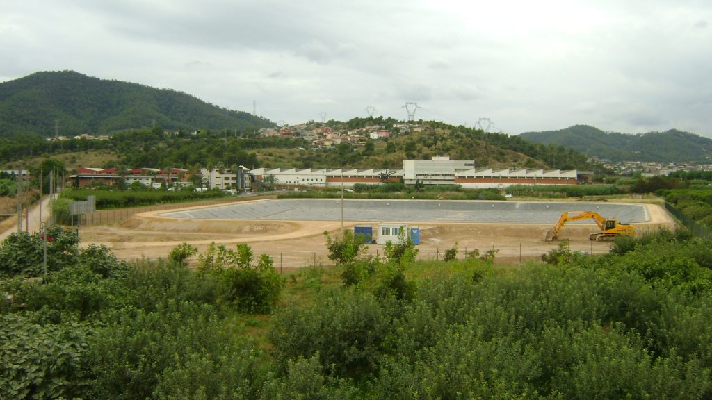 Pumping, Piping and Dam construction in Vall Baixa