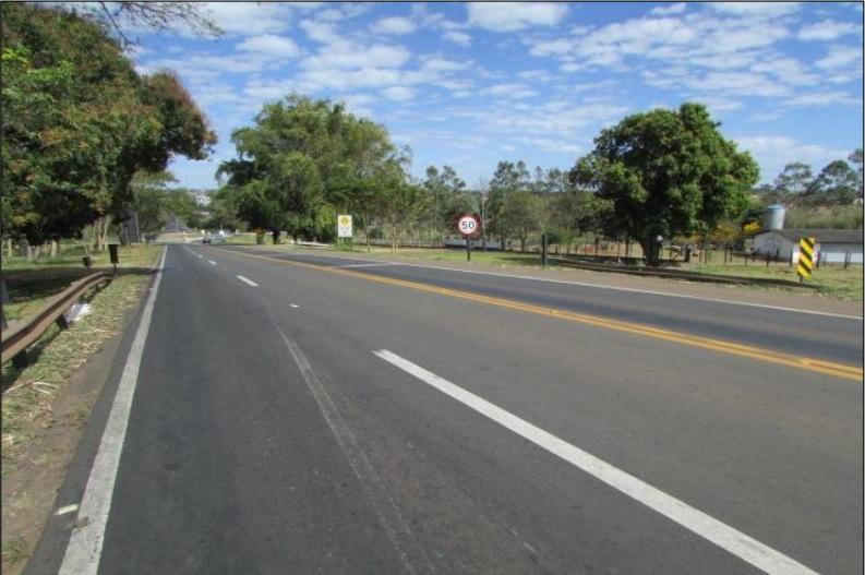 Carretera 'Rodovia dos Calçados' en Brasil